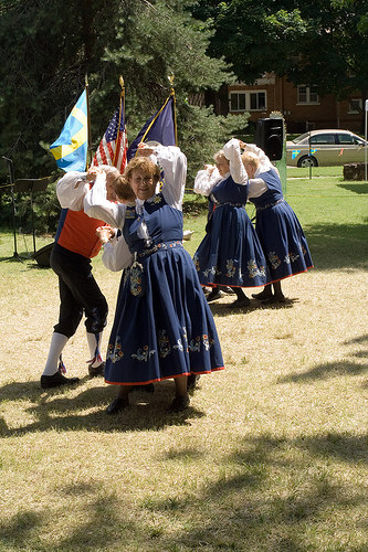 Leikarring Dancers