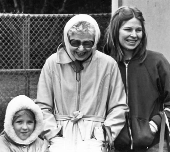 Lisa, Laurina and Sheryl at the SF Zoo, 1981